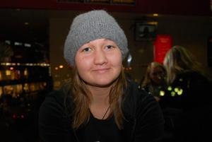 Sofie Wennstig 16 År Skutskär Studerande1. Vilken film ska du se idag och varför jus den filmen?Pineapple Express. Det fanns ingen annan att se och mina kompisar ville se den här.2. Vilken är din favoritfilm och varför?Flugsoppan, den är ju så gullig.