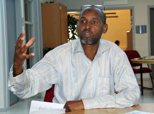 Mohammed Awar Ali har två systrar i Mogadishu som han oroar sig för