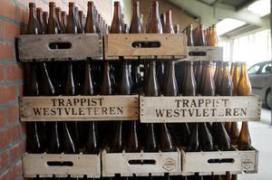 Lådor med ölflaskor i Belgien. Arkivbild.