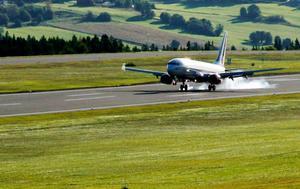 Naturvårdsverket anser att det finns så stora brister att Luftfartsverket inte längre ska få driva flygplatsen.