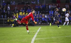 Simon Elgh gjorde en jättematch i SFF-målet – och fick beröm av Gefle-kaptenen Anders Bååth.