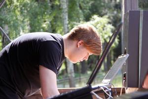 Viktor Pilkington var en av de dj:s som spelade på Sundsvalls synthpicknick i går.