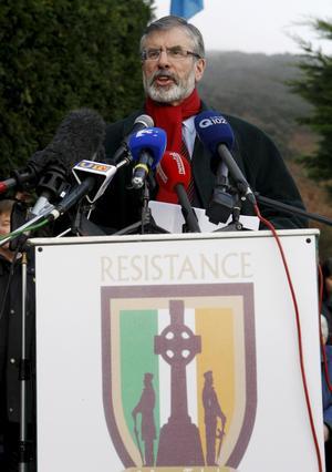 Satsar på missnöje. Sinn Féin och IRA-veteraren Gerry Adams satsar nu på politiken i republiken Irland och lämnar sin plats i brittiska parlamentet.foto: scanpix