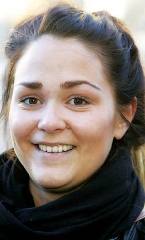 Carola Sillström,22 år, Fillsta:– Nej. Men jag ångrar det bittert i dag. Jag är nyss hemkommen från utlandet, från Kreta, så jag förstår inte kylans innebörd än, vad den gör med kroppen.