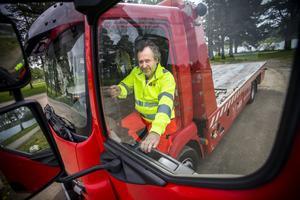 Tomas Thyr, bilbärgare från Falck i Bollnäs, som var inblandad i en nära ögat-upplevelse i samband med ett uppdrag på E4 i söndags.