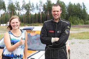 Vasst par från SMK Hälsinge, co-driver Paulin Bergqvist och Tomas Bergman.