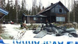 Branden började vid entrén till villan.