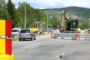 Nu ska det äntligen bli säkrare för gång- och cykeltrafikanter i Hede. Trafikverket har vaskat fram pengar och bygger en gång- och cykelbana.
