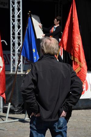 Kommunalrådet Katarina Hansson uppmanade alla att bli medlemar i partiet via sms. Något som kommunstyrelsens ordförande Lennart Eriksson inte behöver göra.