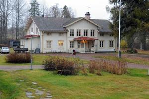 Vansbro kommun har genom åren pumpat in åtskilliga miljoner i Snöå Bruk.
