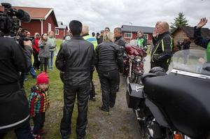 43 personer från Grytan hade anmält intresse. 14 stycken fick chansen att åka med till Andersön.