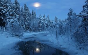Fullmåne över Lokebäcken, Loke.
