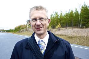 Elforsks vd Magnus Olofson hoppas att hans kollega från ABB Ludvika hinner före tyskarnas forsknings- och utvecklingsprojekt