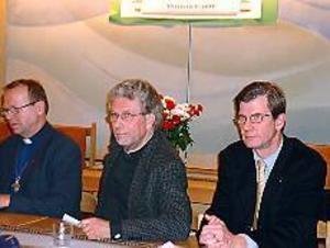 Foto: ULF GRANSTRÖM Inkallad hjälp. Kontraktsprost Håkan Wallsten och stiftsjurist Anders Sandström har kallats in för att hjälpa Hofors församling sedan det upptäckts frågetecken i den ekonomiska redovisningen med bland annat hemliga konton.