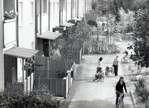 Hyresrätter blir bostadsrätter på Bjurhovda. 2 september 1980.