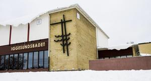 Samtidigt som Hudiksvalls badhus är under utredning för att eventuellt läggas ner, ska Iggesunds badhus rustas upp för drygt 1,1 miljon, och Delsbo simhall för cirka 730 000 kronor.