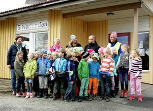 Socialdemokraten Jenny Palin träffade under tisdagen en del av barnen och personalen på fritidshemmet Silverlunden, och på fritidshemmen Solstrålen och Gäddan som också finns i Ås skola.
