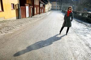 """Maia Hirasawa bearbetade sin hemlängtan till Stockholm genom att skriva, och spela in, en drös nya låtar. Den 25 mars släpps hennes andra platta """"GBG vs STHLM"""". Foto: Janerik henriksson/Scanpix"""
