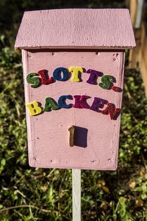 Välkommen till Slottsbacken 1.