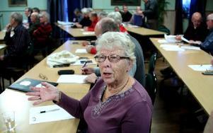 Inga Faläng, är engagerad i trafiksäkerhetsfrågor. Sedan ska hon informera vidare till sin PRO-förening i Domnarvet. Foto: Johnny Fredborg