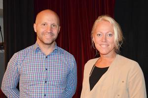 Jerker Porat föreläsare, tillsammans med Carina Nilsson chef för förvaltningen för bildning fritid och kultur. Jerker är till vardags lärare och har vunnit Innovativa Lärarpriset.