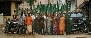 Bybor i Sompeta, Indien protesterar mot ett planerat kolkraftverk i dokumentärfilmen