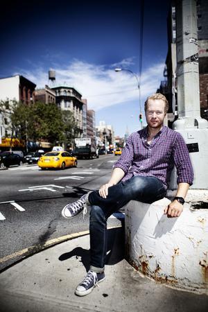 Henrik Ek växte upp i Gävle och flyttade till New York för fem år sedan. Han bor en halvtimme från Ground Zero och är en av få som redan varit upp i det nya tornet, One World Trade Center.