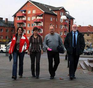 Ett större föräldraengagemang skulle minska supandet bland ungdomar. Det menar från vänster Mona Bruce, förebyggare BRÅ, Kristina Kamsten, amordnare BRÅ, Sten-Ove Danielsson, ordförande BRÅ och Lennart Jonsson, polisen.
