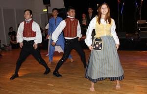 Integration. Dansare från Afghanistan, Borlänge och andra delar av världen blandades på dansgolvet.