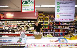 Stefan Jonasson, handlare i Nälden, har inte bara en matbutik. Han är till exempel även ATG-ombud och postombud.   – Vi kan erbjuda det mesta inom närservice. Det är nog en förutsättning för att det ska gå bra, säger han.