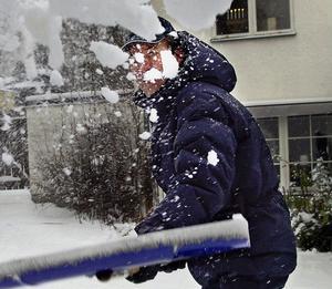 Skotta snön rätt. Annars kan det bli problem.