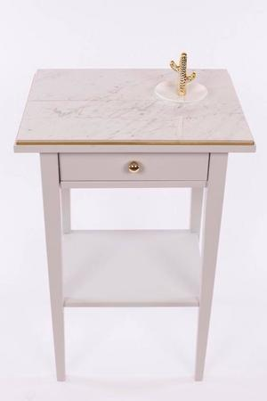 Nattduksbord från Mimmi Lidmår på Lidmårhome. Såldes för 525 kronor.