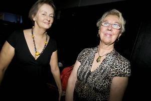 """BUS. Väninnorna Alice Fonseca och Britt Brewitz-Bär vet vad som krävs för salsan. """"Det är en busig dans, det gäller att kunna busa och ha roligt"""", säger Alice Fonseca."""