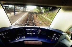 Dalabanan mellan Uppsala och Mora har större chans att rustas om planerna på snabbtågen skrotas, menar Ulf Berg (M).