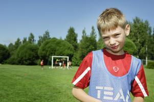 11-årige Adam Palmquist är glad att han får springa mycket i fotbollsskolan. - Och tränarna är jättebra! säger han.