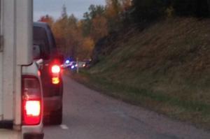 Bilköer. Efter älgolyckan på riksväg 50 nu på morgonen.