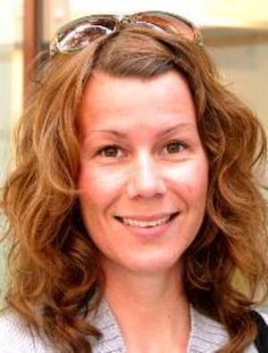 Camilla Strandberg, 32 år,Malmö:– Nja, jag borde bry mig mer än jag gör. Jag ska inte rösta, det känns inte som att det påverkar så mycket.