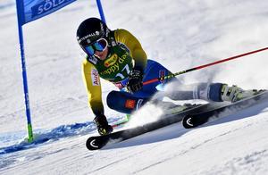 Kajsa Kling på väg mot en femte plats i första åket.
