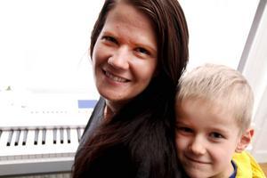 Om några dagar är det sexårskalas för Melker – sen åker mamma Elin till USA och blir borta i tre månader.