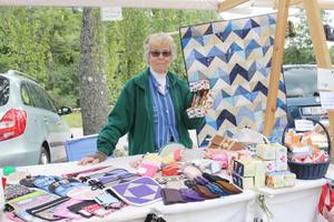 Barbro Ekdahl har varit med många gånger förr. Hon säljer alltid egna hantverk.