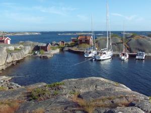 De flesta turister övernattar i naturhamnar.