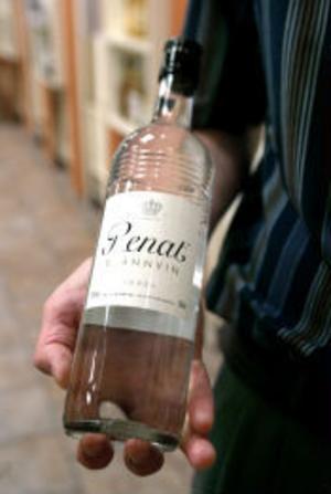 Klassikern Renat, som tillverkas i Sundsvall, håller än. I det som skulle kunna kallas sprit-VM utsågs den till världens bästa vodka, i konkurrens med 50 andra märken.
