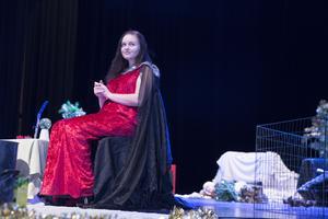 Den vackra prinsessan? Nej, Julia Karlsson gestaltade faktiskt den elaka häxan.