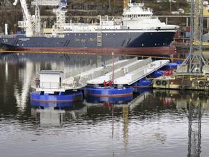 Här byggs den. Seawalk som ska ligga i Nynäshamn tillverkas på Vards varv i Brevik, Norge.