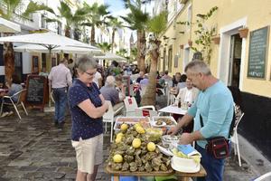 Färska skaldjur till salu i fina stadsdelen Barrio del Vino.   Foto: Anders Pihl