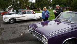 Merparten av de bilar som deltog i var nypolerade och glänste fint i det gråtrista vädret. Foto:Gunne Ramberg