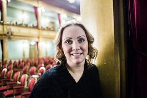 Susanne Andersson Pripp, lämnar över Gamla teatern till Stefan Karlsson den första maj.