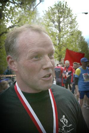 Jobbigt. Sven-Olov Andersson klagade på oträning och tyckte det var jobbigt men gav arrangörerna pluspoäng för den nya bansträckningen och distansen på 5.5 kilometer.