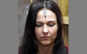 Pendeln kan användas för att få svar på frågor men också för chakrabalansering.Foto: Helena Forsberg