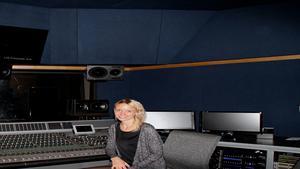 31-åriga Isabelle Engman från Norberg bor sedan ett par år i Los Angeles där hon arbetar som kompositör inom film- och musikbranschen.